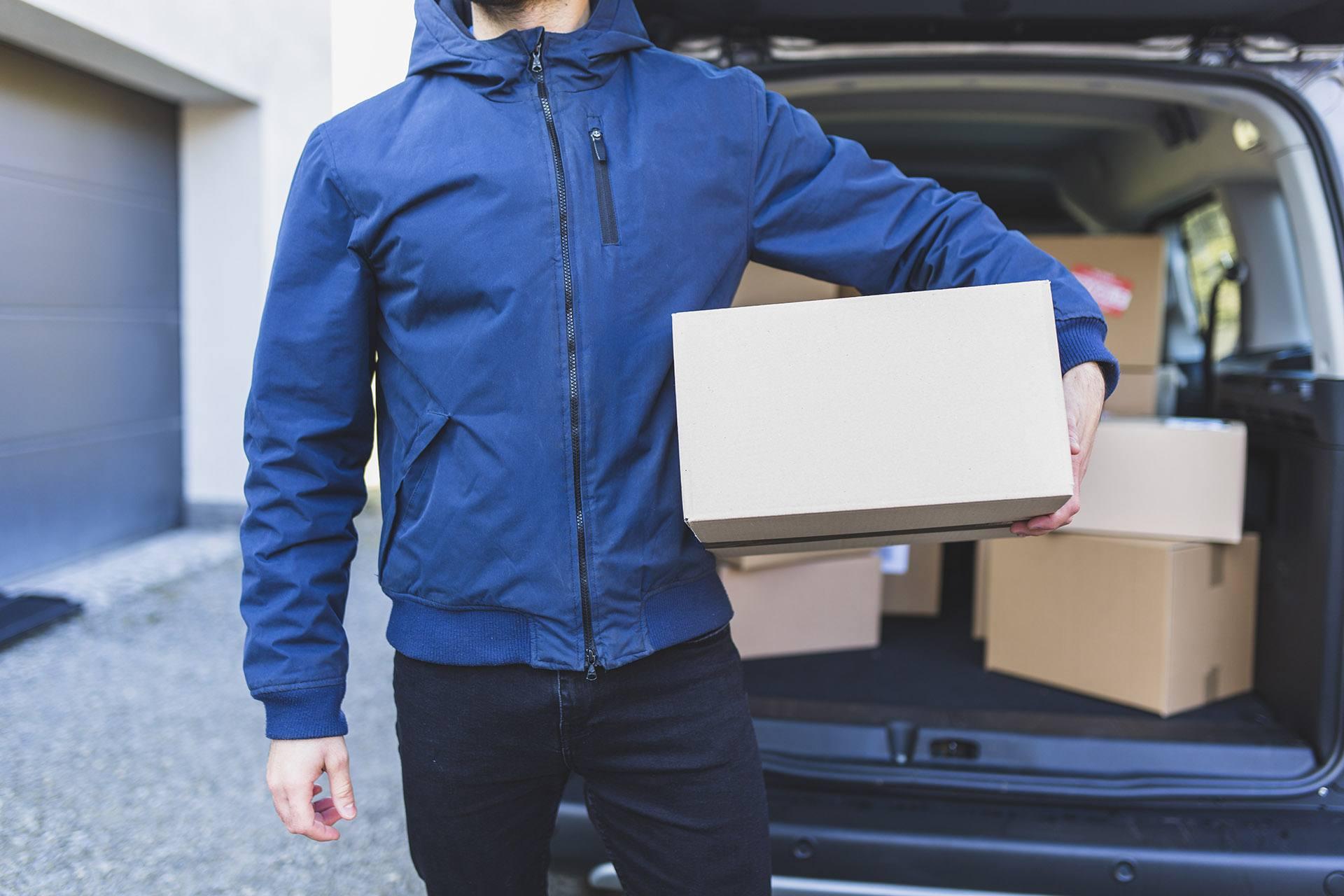 Доставка посилок - бус - водій